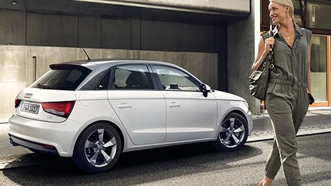 Audi a3 sportback s line prezzo usato 15